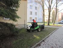 Probíhá jarní úklid v městské zeleni.